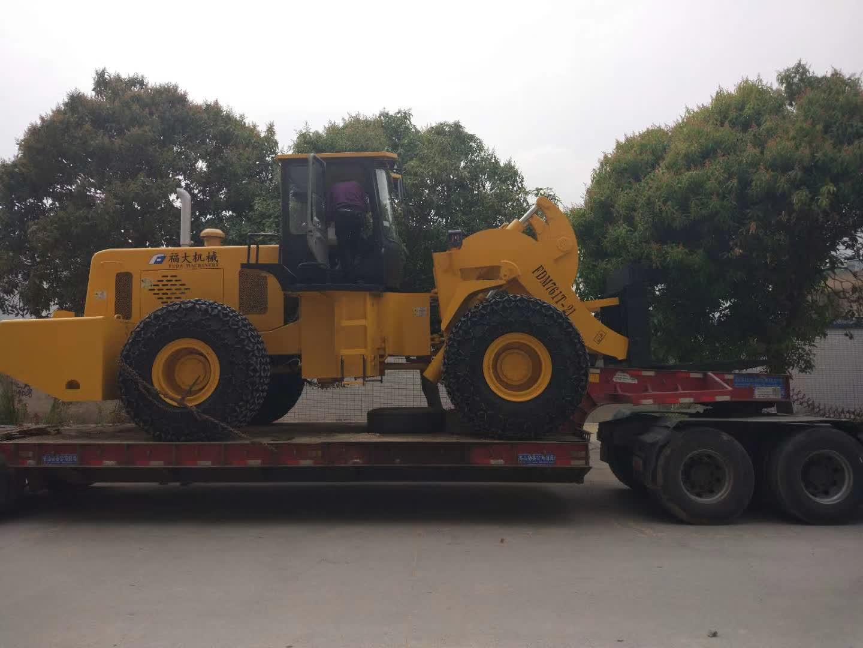 21t forklift loader sent to lianjiang guangdong, china